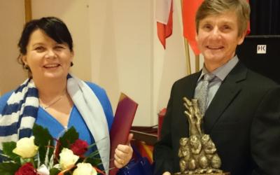 """Nagroda """"Złote Bobry"""" 2016 dla Pani Aleksandry Dudka oraz męża Aleksandra Dudka"""